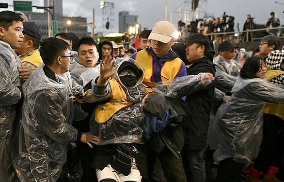 taiwan new year tax protesters cite french yellow vest success
