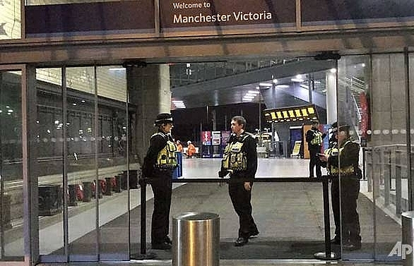 uk terrorist stabbing suspect held under mental health law