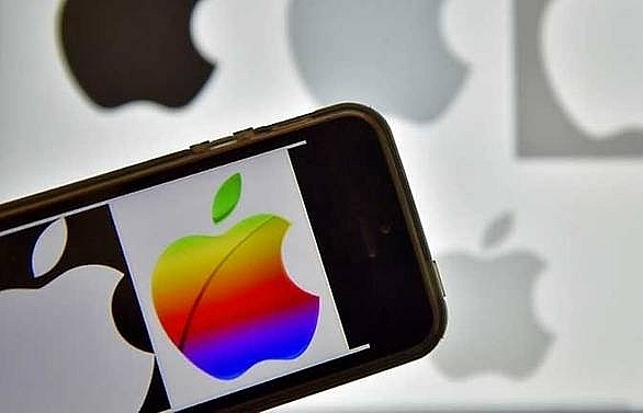 apple cuts outlook sees challenges in china and emerging markets