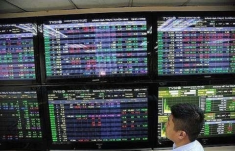 good global trading lifts vietnam stocks
