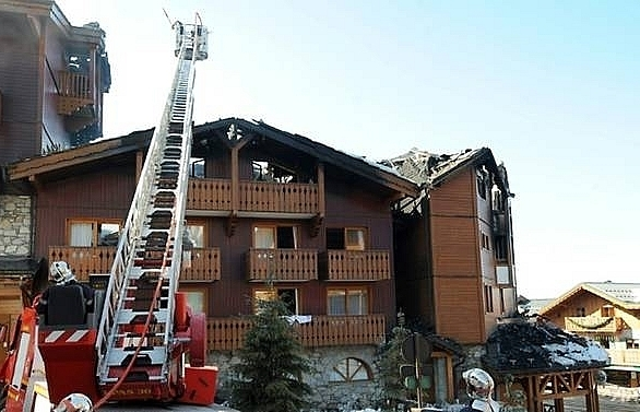 two dead 14 hurt in french ski resort fire
