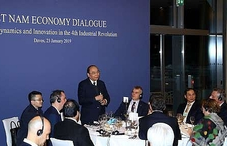 prime minister meets leaders of multinational groups in davos