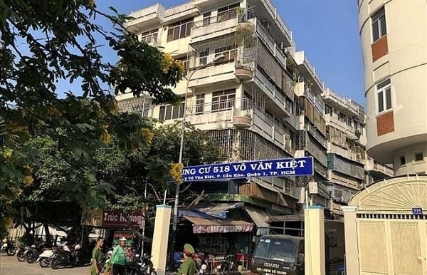 hcm city relocates people from leaning apartment building