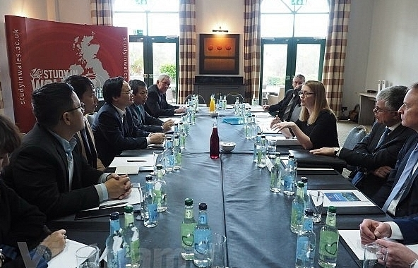 vietnam seeks to boost educational cooperation with uk