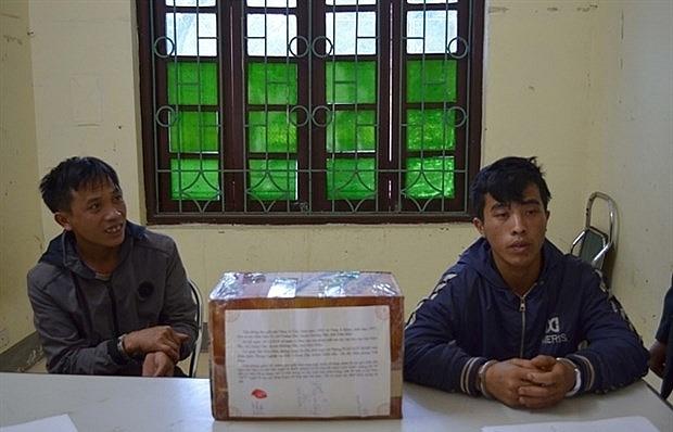 dien bien police arrest two drug smugglers