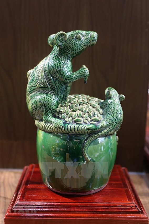 rat shaped ceramics available for tet