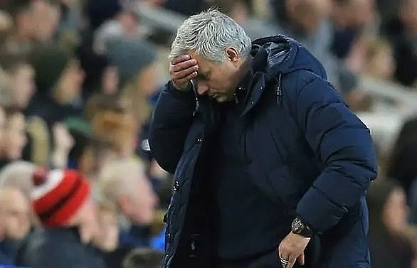 lifes a beach for mourinho in fa cup ball complaint