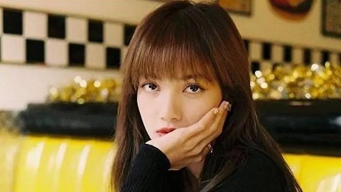 fans of k pops blackpink superstar lisa slam thai cafe owner for lewd comments