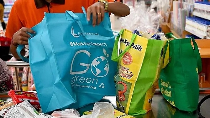 no single use plastic bags in jakarta in six months time