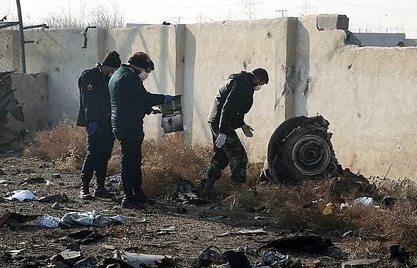 iran finds black boxes from crashed plane aviation authority
