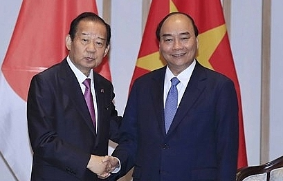 prime minister welcomes secretary general of japans ruling party