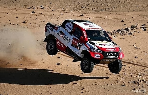 alonso second on dakar stage eight