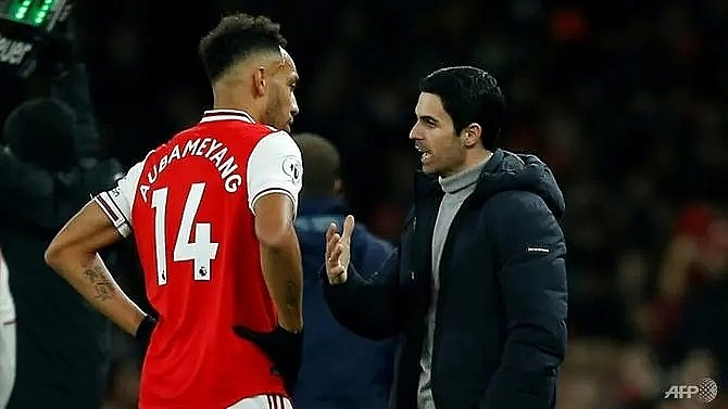 arteta challenges arsenal players to fill aubameyangs boots