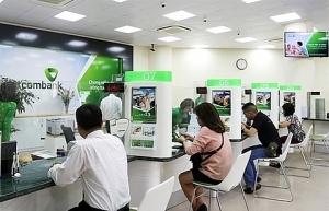 banks warn customers about fraud during tet