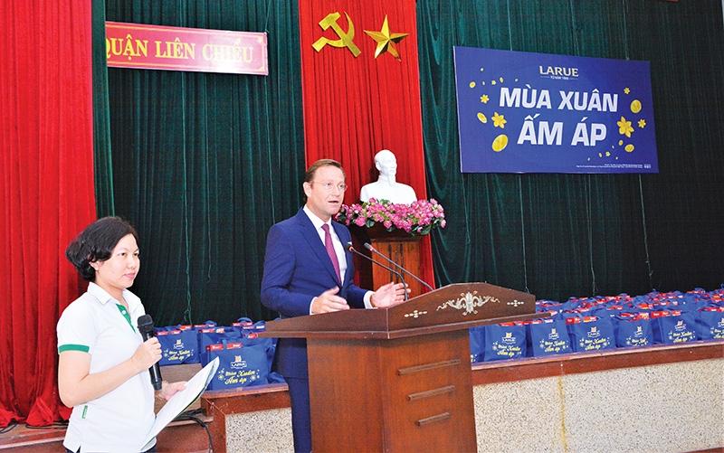 p57 heineken vietnam brings a warm spring to people in need