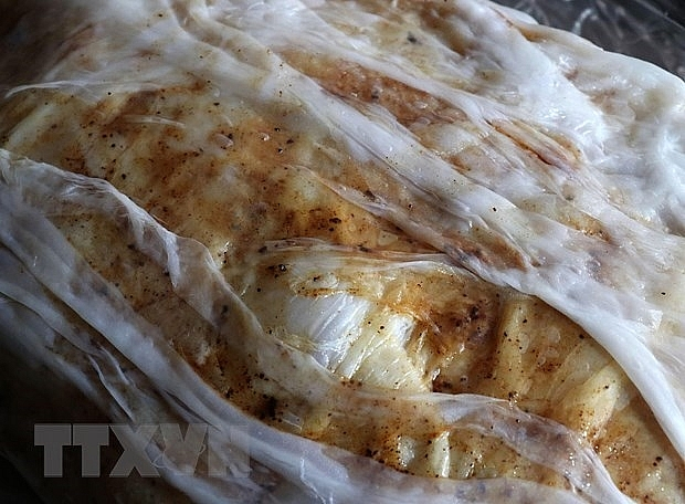 mao dien rolled rice pancakes special treat for visitors to bac ninh