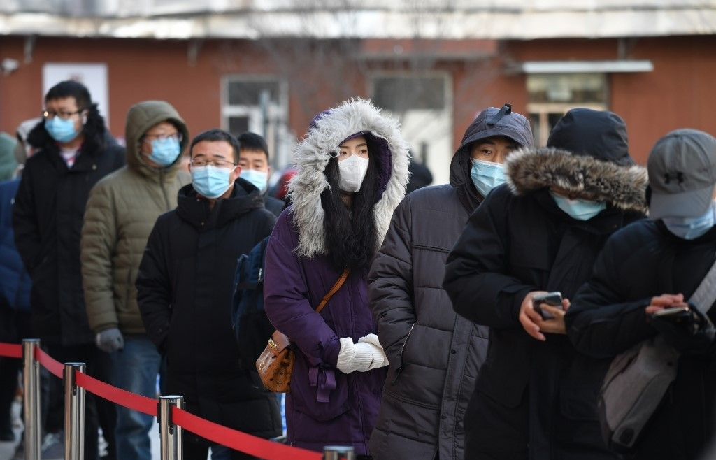 china moves to stamp out virus outbreak in city of 11 million
