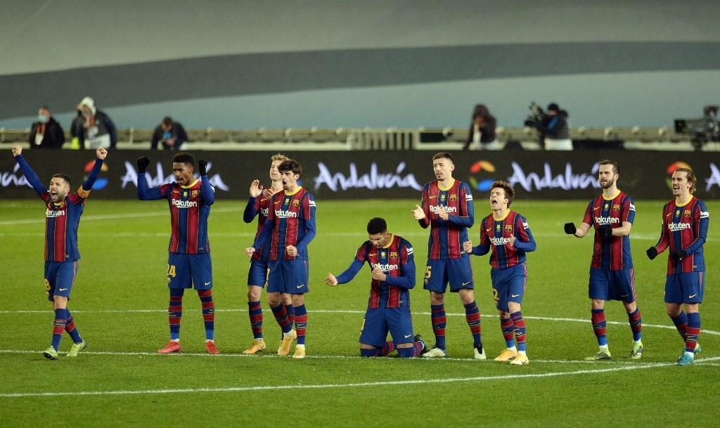 barca reach spanish super cup final after ter stegen penalty heroics