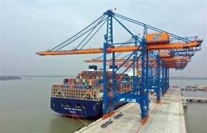 germalink port receives first commercial vessel