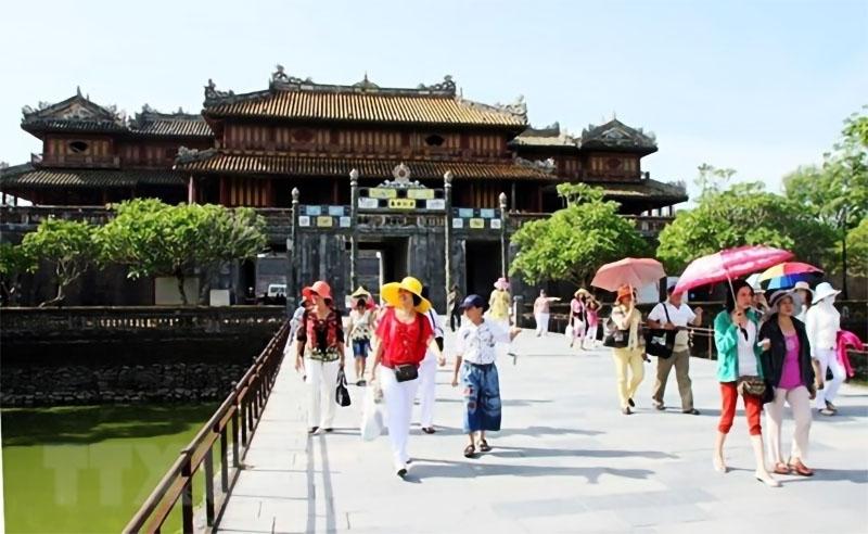 tourist arrivals to hue monuments slump in 2020