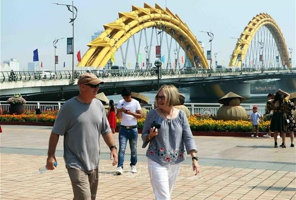 da nang treasures contributions of foreigners city leader
