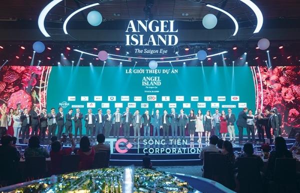 top partners create ecological island