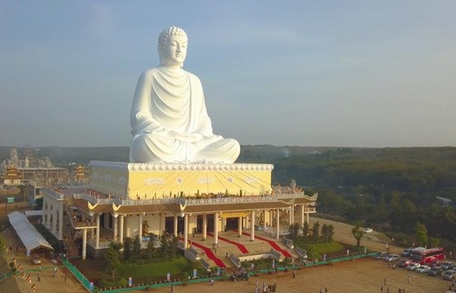 binh phuoc now boasts tallest sitting buddha statue in southeast asia