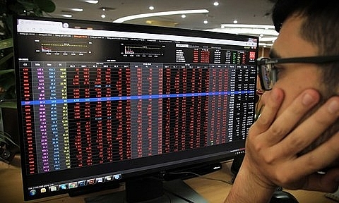 big stocks keep falling vn index loses nearly 71 points