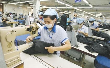 labour market pressured despite economic growth