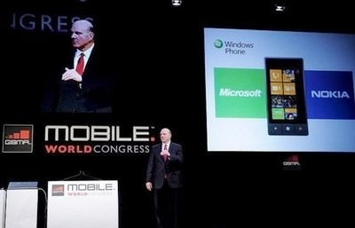 microsoft says to bring full power of web to phones