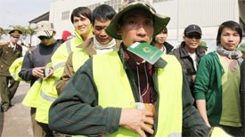 libya turmoil traps vietnamese workers