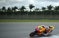 Stoner sizzles in Sepang 1,000cc bike tests
