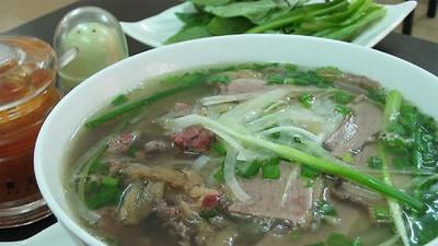 must eat food in hanoi