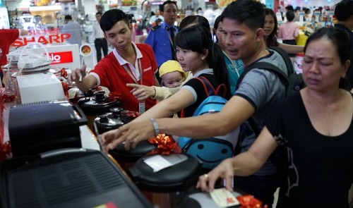 vietnams nguyen kim electronics chain to sell more products after thai deal