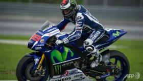 Lorenzo tops Sepang testing ahead of Rossi, Marquez