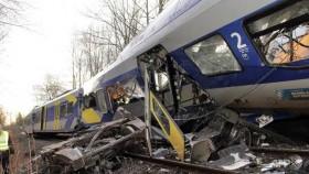Ten dead as commuter trains collide in Germany