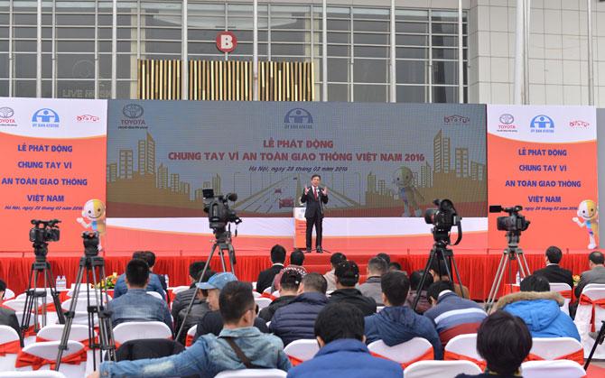 toyota vietnam promotes traffic safety