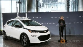 GM plans to build, test thousands of self-driving Bolts in 2018