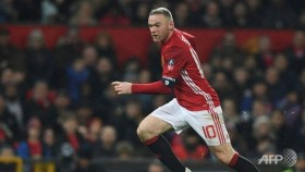 Mourinho gives no guarantees on Rooney future
