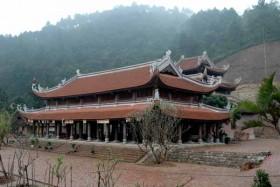 Non Nuoc Pagoda – an architectural masterpiece in a Hanoi suburb