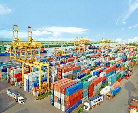 Fee collection at Hai Phong ports is legal: People's Committee