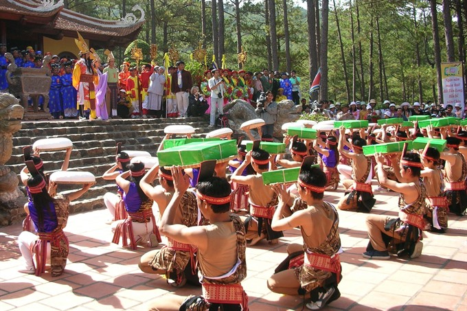 Hùng kings' death anniversaries commemorated for six days