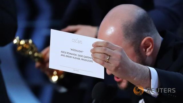 oscars auditors apologise for best picture mix up