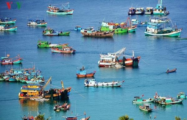 nam du a vibrant port of call in mekong delta region