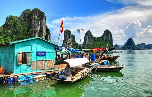 cua van fishing village an attractive destination in ha long bay