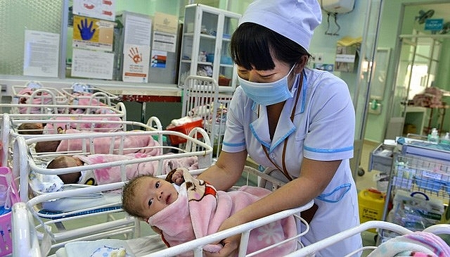vietnams population estimated at 947 million in 2018