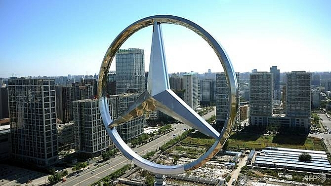 mercedes apologises to china after quoting dalai lama