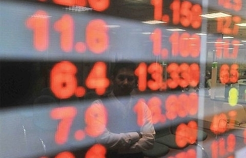 vn stocks trade negative amidst volatility fears