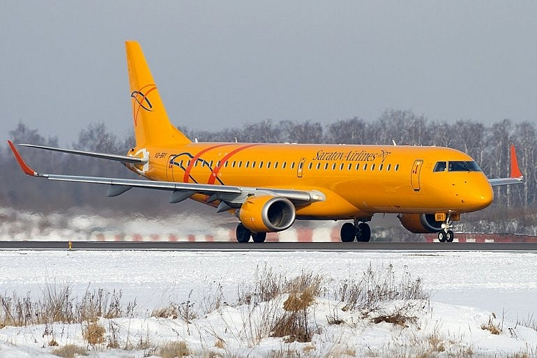 russian passenger plane crashes near moscow 71 people feared dead reports