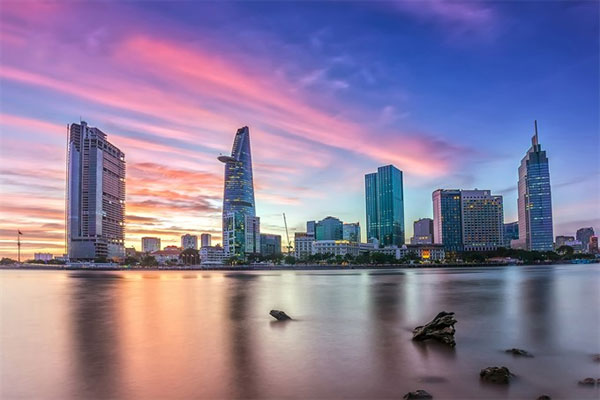 sai gon river tour shows the best of hcm city